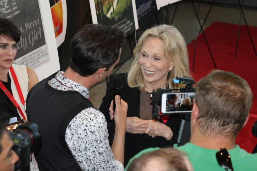 Faye Dunaway being interviewed by Chris gardner on WFAA (Photo by Sandra Kent)
