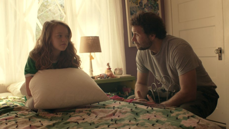 Jade Pettyjohn and Jeremy Sisto in GIRL FLU.